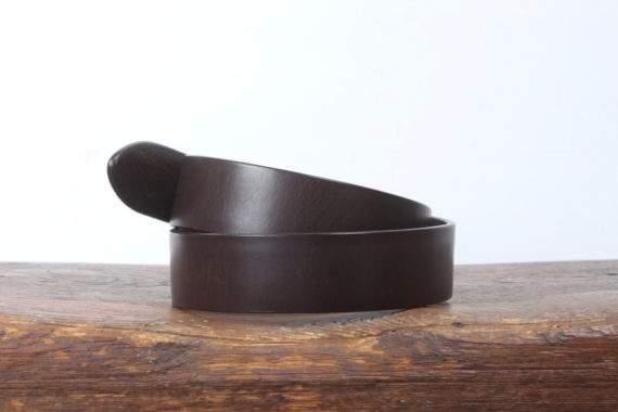 Brunt læderbælte fra Sendra